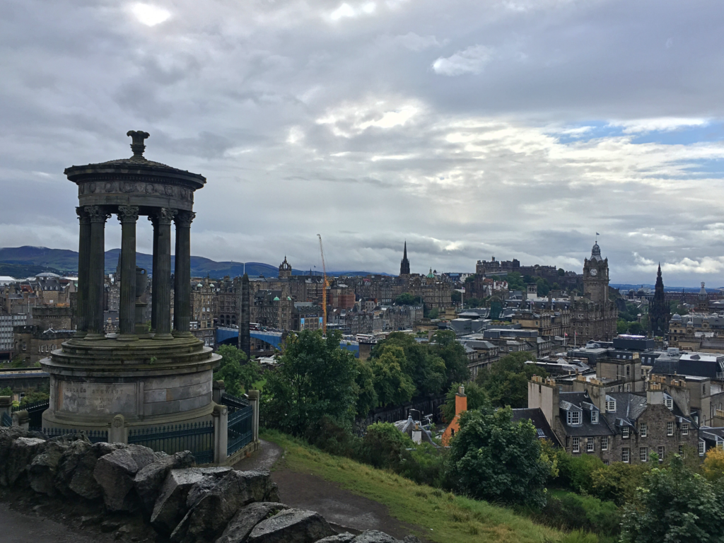 Fotospots in Schottland - Die Aussicht vom Calton Hill in Edinburgh